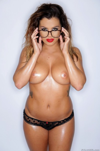 evil-angel-jizz-my-glasses-keisha-grey-2-683x1024