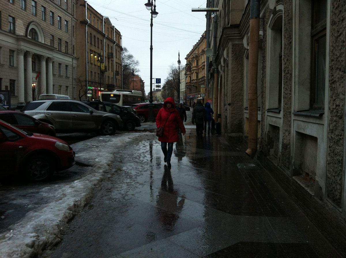 В центре еще нормально, а в остальном Питере - пиндец для пешеходов